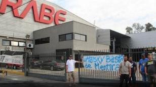 Rabe cerró la sucursal de Moreno y quedaron en la calle 37 trabajadores