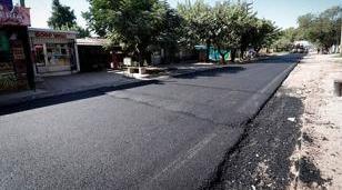 Avanza la pavimentación de la calle Belisario Roldán en La Reja