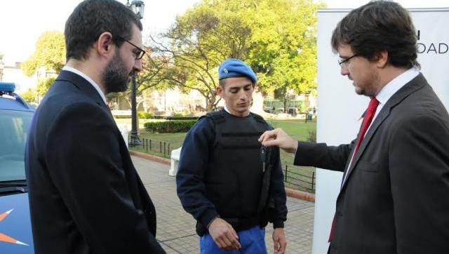 Lucas Ghi y Hernán Sabbatella entregaron 20 nuevos patrulleros