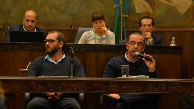 Tagliaferro no dio la cara y sus funcionarios tampoco pudieron justificar los despidos masivos