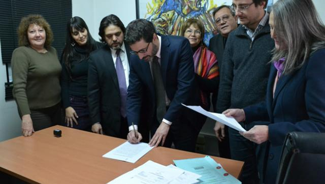 Para frenar los tarifazos, Sabbatella presentó un amparo en la Justicia