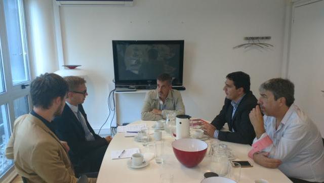 Los concejales Marinucci y Favio Martínez, juntos en la embajada de Dinamarca