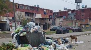 Vecinos del Barrio Gardel denuncian el abandono municipal