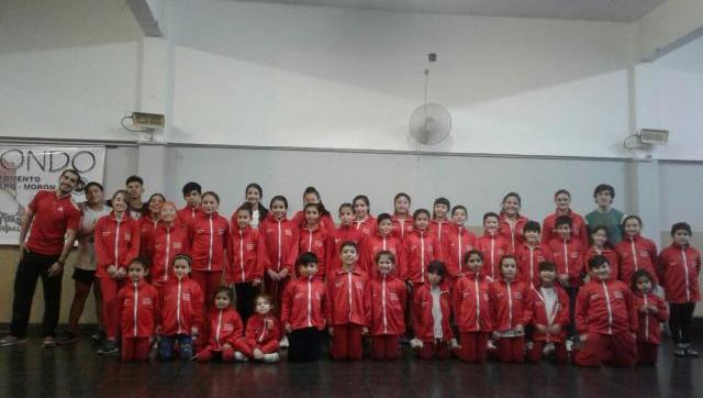 La Escuela de Gimnasia Aeróbica de Morón se prepara para competir en Quilmes