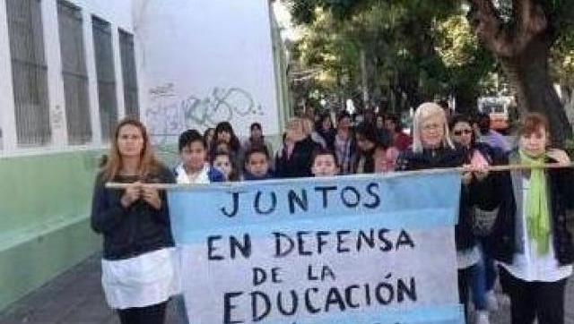 La comunidad educativa moronense se moviliza para reclamar por la infraestructura escolar