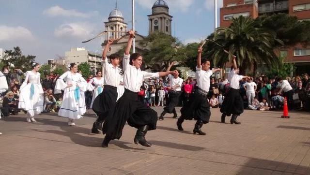 La comunidad se moviliza en defensa de la Escuela de Danzas José Neglia, institución modelo y orgullo de Morón