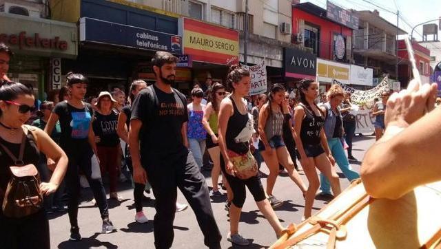 El Neglia no se parte: vuelven a marchar en defensa de la escuela de danzas