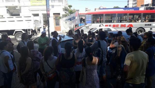 Nueva marcha de la educación en Morón contra los despidos de los docentes municipales