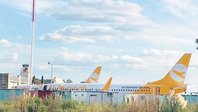 Flybondi sumó un nuevo avión de adorno