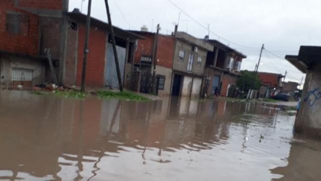 Para ayudar a los inundados, Fribuay recibe donaciones