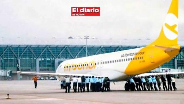 Furia de pasajeros por cancelación masiva de vuelos de Flybondi en El Palomar