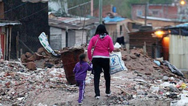 En Morón, Ituzaingó y Hurlingham más de 2.000 familias viven en barrios vulnerables