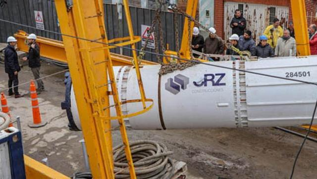 Morón ya opera la tuneladora que llevará las cloacas a todo el Distrito