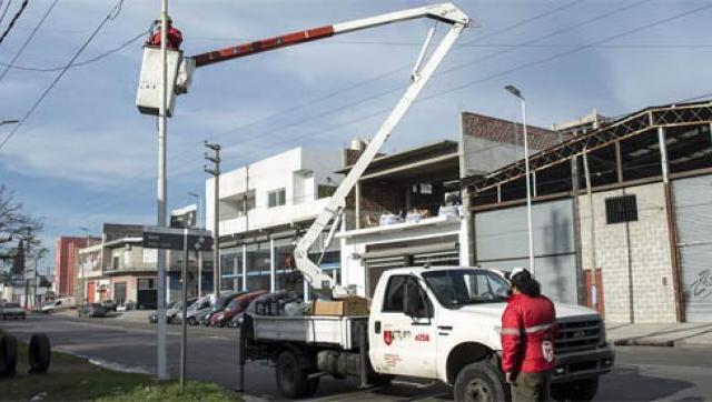 Más de 12 mil luces LED iluminan los barrios de Morón