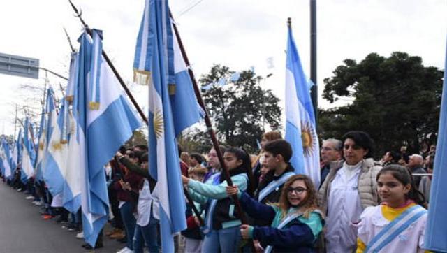 Desfile cívico-militar en el Día de la Independencia