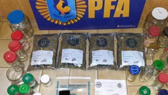 «Frascos narcóticos»: detienen a un hombre que vendía droga en Morón