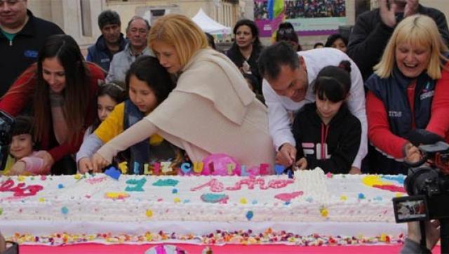 Magario y Festa recorrieron un centro municipal de salud infantil