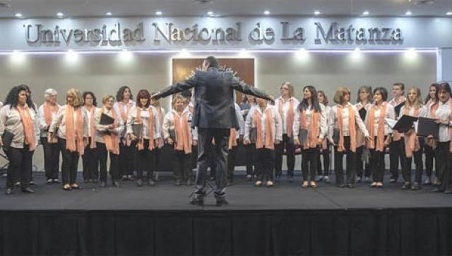 El Coro Femenino de la UNLaM viaja para cantar en Entre Ríos y en Uruguay