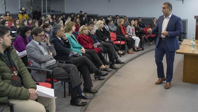Estudiantes de la UNLaM aprendieron de la experiencia del presidente de Volkswagen