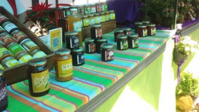 Una feria de productores locales volvió a instalarse en la UNLaM