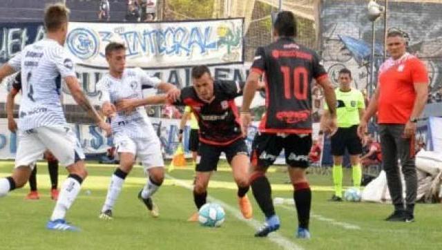 Deportivo Morón sumó su tercera derrota en fila ante Independiente Rivadavia