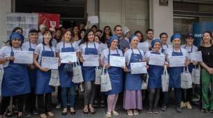 Diplomas a mujeres víctimas de violencia que finalizaron un curso con salida laboral