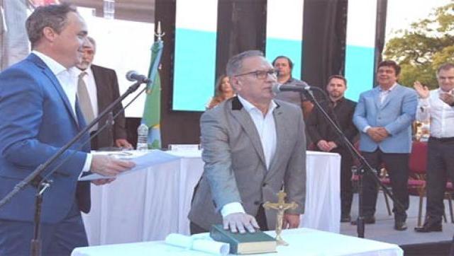 Descalzo asumió un nuevo mandato al frente del Municipio