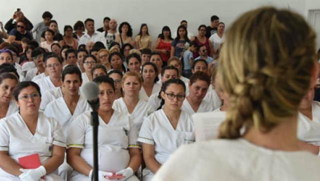Octava entrega de diplomas de la escuela municipal de enfermería