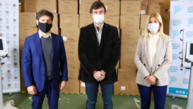 Ghi y Kicillof en la entrega de respiradores para el Hospital de Morón