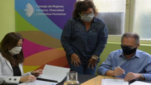 Firman convenio para atender situaciones de violencia de género
