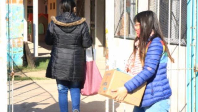 5640 litros de leche y 9438 cuadernillos entregados a jardines comunitarios