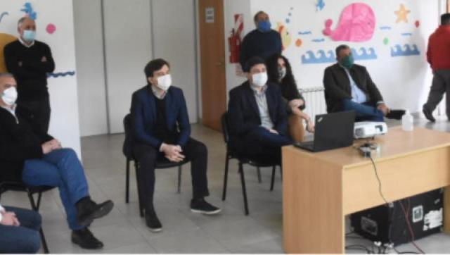 Lucas Ghi y Daniel Arroyo firmaron el lanzamiento del plan Potenciar Trabajo en Morón