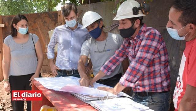 Avanzan importantes obras de agua corriente en Castelar sur