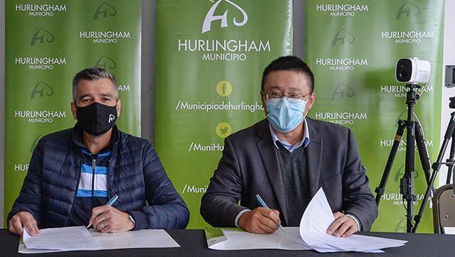 Morón renovó los comodatos de respiradores a clínicas del distrito